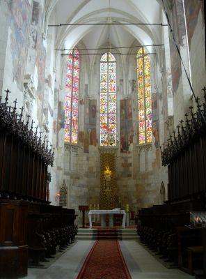 Prezbiterium bazyliki w Wiślicy