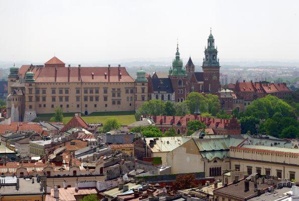 Wzgórze Wawelskie widziane z Wieży Mariackiej w Krakowie