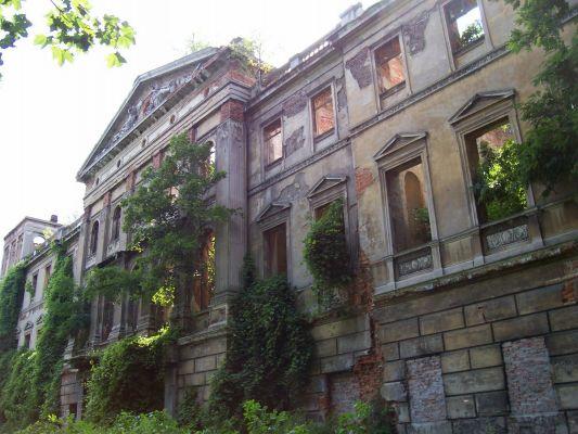 Sławików - ruiny pałacu