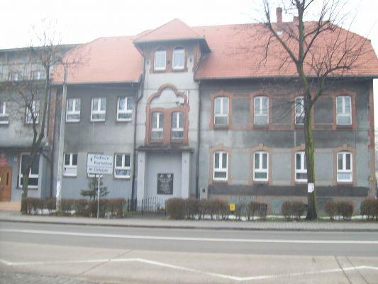 Budynek Zespołu Szkół Poligraficzno-Mechanicznych im. Armii Krajowej, Katowice-Piotrowice