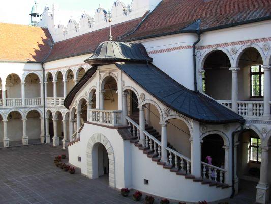 Dziedziniec zamku w Baranowie Sandomierskim