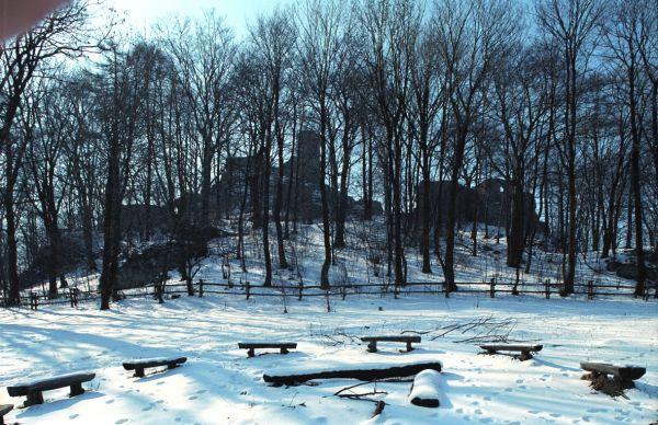 Ruiny zamku w Smoleniu - zimą
