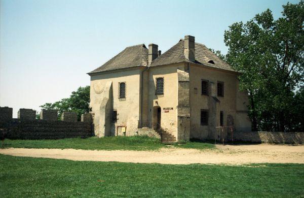 Skarbczyk - zamek w Szydłowie