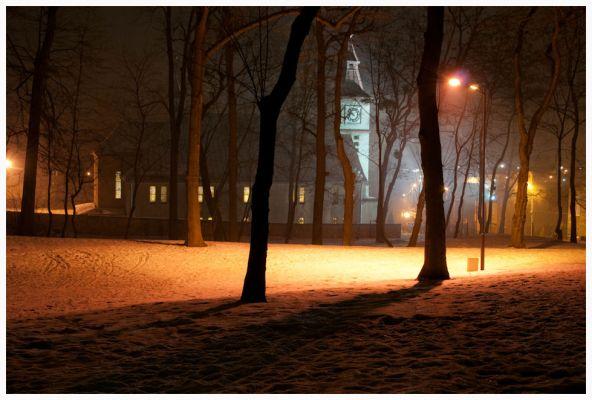 Kościół MBNP w Kozłowej Górze - nocą