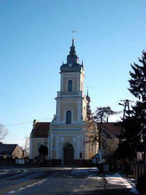 Kościół we wsi Skulsk