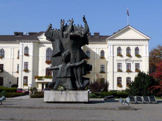 Pomnik Walki i Męczeństwa na Starym Rynku w Bydgoszczy
