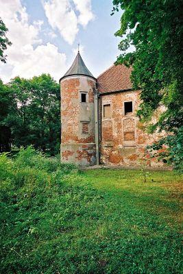 Zamek w Chobieni - wieża