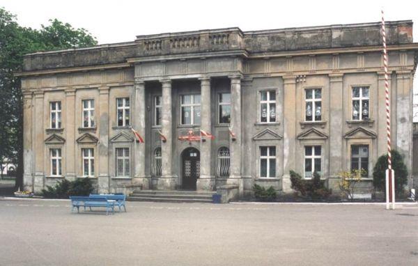 Boczne skrzydło pałacu w Turznie