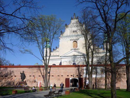 Bazylika i mury klasztoru bazylianów w Leżajsku