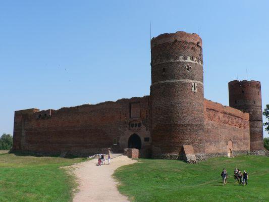 Zamek Książąt Mazowieckich w Ciechanowie - wejście od zachodu