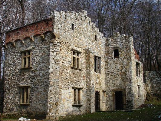 Pałac w Młoszowej. Baszta Frankiewiczów