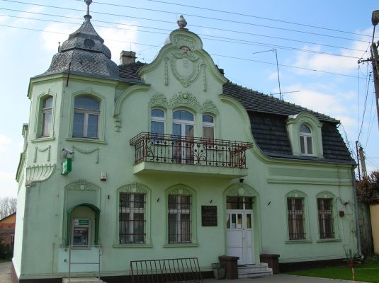 Kamienica we wsi Rogowo - obecnie bank