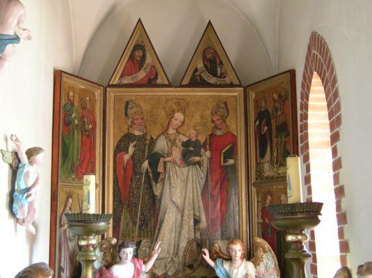 Ołtarz gotycki w kościele we wsi Brzeźce