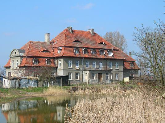 Pałac we wsi Sukowy
