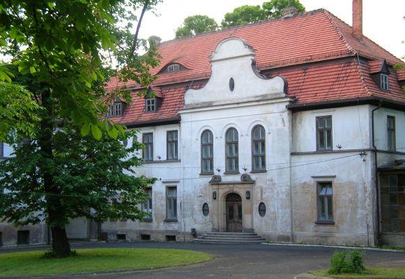 Pałac z XIXw. w Kujawach