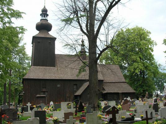 Zabytkowy drewniany kościół w Ćwiklicach