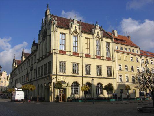 Nowy Ratusz we Wrocławiu, narożnik południowo-zachodni