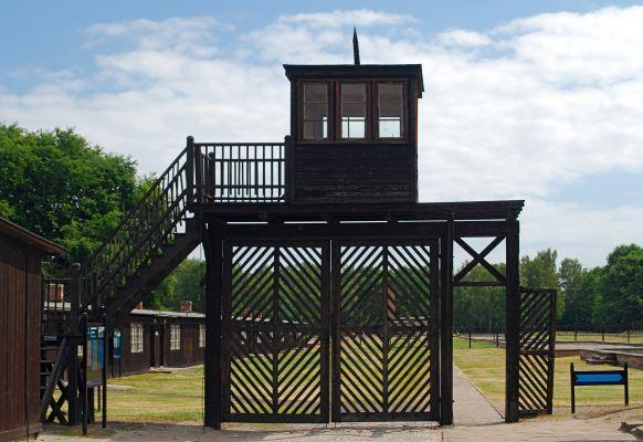 Brama śmierci w obozie KL Stutthof