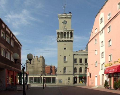 Żagańska wieża ratuszowa od strony ulicy Warszawskiej