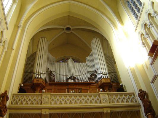 Organy Biernackiego z 1949 w katedrze św. Rodziny w Częstochowie