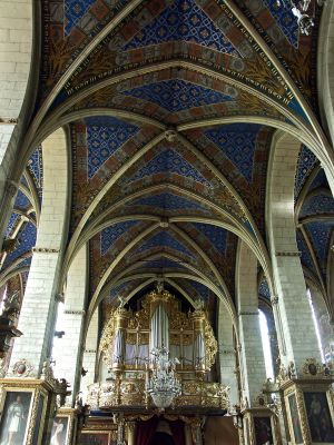 Organy i sklepienie krzyżowo-żebrowe w katedrze w Sandomierzu