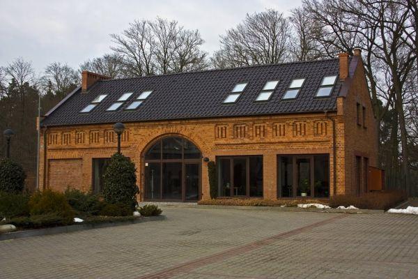 dawna stodoła - budynek wystawienniczy
