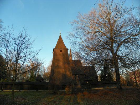 Katowice, Kościół drewniany, pw. św. Michała Archanioła, elewacja boczna i dzwonnica