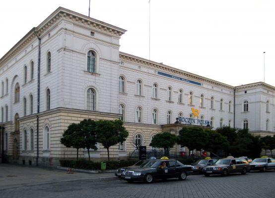 OPOLE budynek Poczty Głównej na ul Krakowskiej obok dworca. sienio
