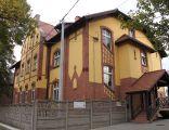 Budynek klasztoru Domu Zakonnego Zgromadzenia Sióstr Świętej Elżbiety (A31010 z 29 VII 2010)(1)