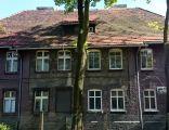 Dom mieszkalny przy ul. Ks. Niedzieli 30 - widok elewacji frontowej