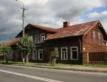 Bieżuń, ul. Sierpecka 23, dom drewniany.