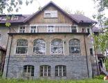 Jelenia Góra, Budynek główny pogotowia - fotopolska.eu (197999)