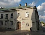 PL Piotrkow Tryb dom Farna 8 01
