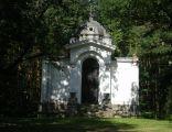 """Cerkiew w Uniejowie, kaplica grobowa rodziny Tollów (zwana """"cerkiewką"""")"""