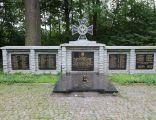 Pomnik polskich żołnierzy i harcerzy pod Trzema Dębami