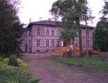 Dąbrówka pałac