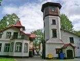 Ustka-Willa w stylu szwajcarskim z budynkiem gospodarczym