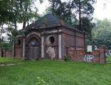 Dom przedpogrzebowy i furtka na cmentarzu żydowskim w Pszczyni