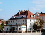 OPOLE dom,obecnie hotel,widok z brzegu Odry. sienio