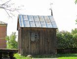 Podlaskie - Łapy - Płonka Kościelna - Kościół Michała Archanioła w Płonce Kościelnej - Stara kaplica cmentarna 20120505 03