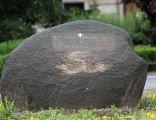 Kamień pamiątkowy ku czci Bojowników o Wyzwolenie Narodowe i Społeczne
