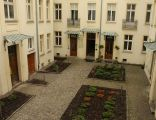 Dziedziniec budynku przy Noakowskiego 16