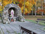 Grota przy Kościele NSPJ w Mysłakowicach