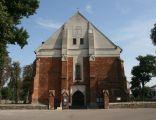Nowe Miasto, kościół par. p.w. Świętej Trójcy 01; Kot