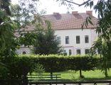 Suchoraczek - pałac - widok od frontu
