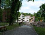 724viki Żmigród - trwała ruina pałacu Hatzfeldów. Foto Barbara Maliszewska