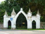 Staroźreby - brama do parku