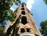 Chwalimierz, ruina pałacu