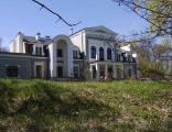 Pałac w Pluskowęsach