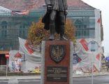 Pomnik Marszalka Jozefa Pilsudskiego w Kutnie 1